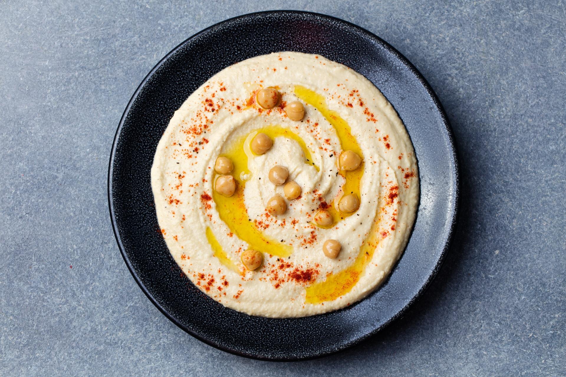 Creamy Garlic Hummus Recipe